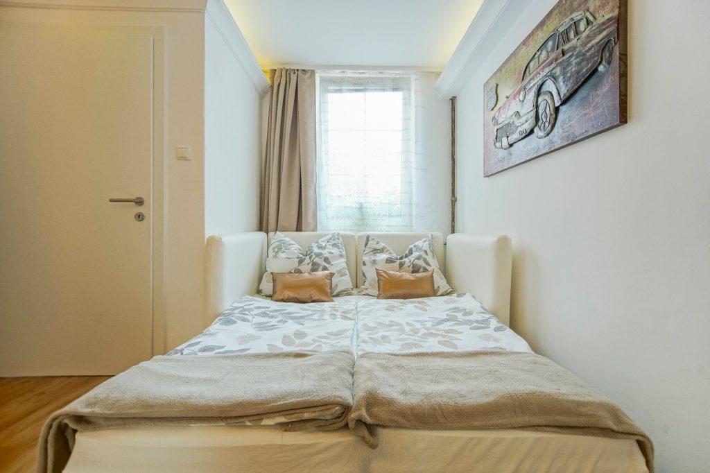 bequemes Bett für 2 Personen